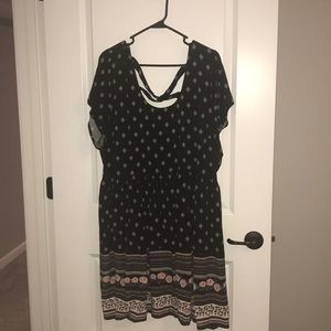 Cute patterned sun dress!